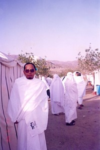 Wed March 15, 2000 (9 Dzulhijjah 1420). Me, outside the tents in Arafah, on the morning of the Wukuf day.