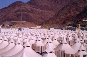 Sun March 19, 2000 (13 Dzulhijjah 1420). Tents in Mina, seen from our bus on our way back to Makkah. We had completed all Hajj components in Mina. Only Tawaf and Sai'e remained, which we did later, on March 21, 2000.
